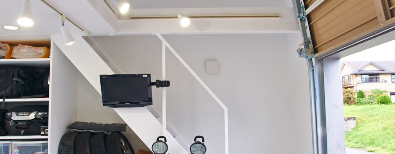 modern Garage/shed by tai_tai STUDIO