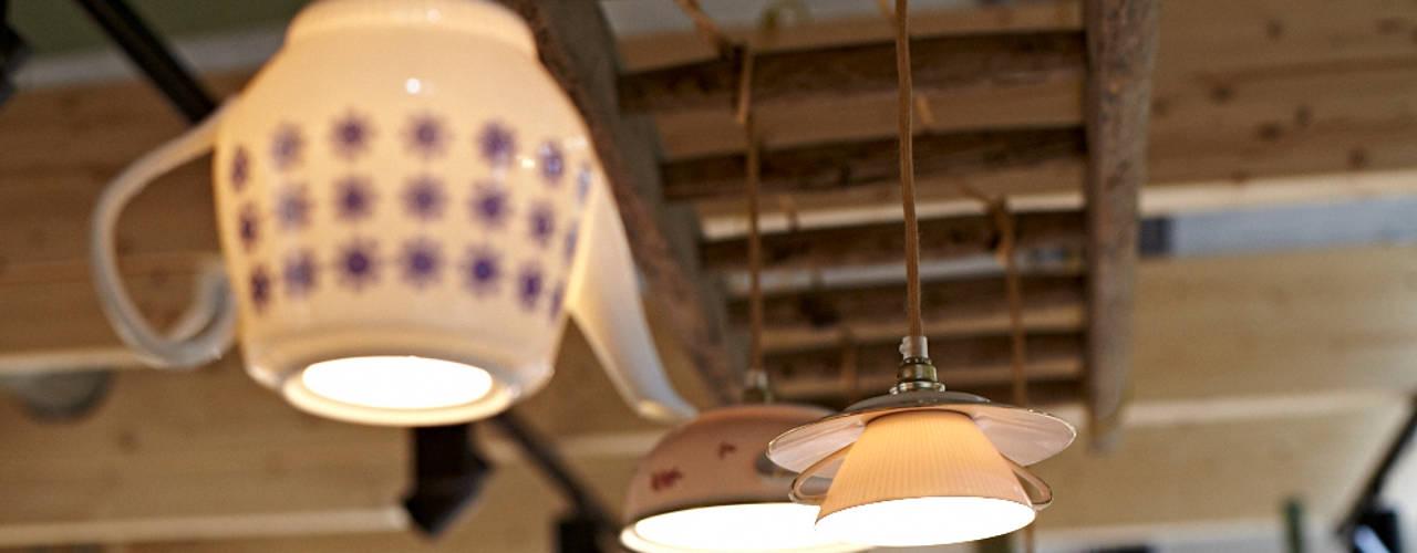 Lieselotte Oficinas y Tiendas Porcelana Blanco