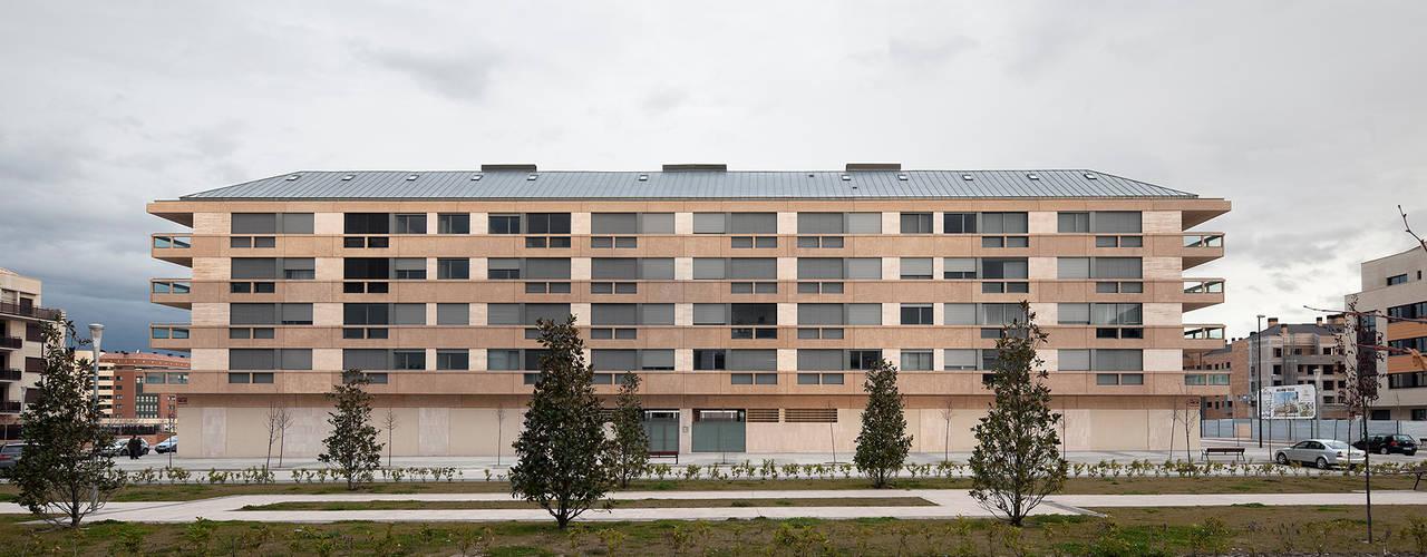 Edificio de Viviendas en Guindalera Casas de estilo moderno de Ignacio Quemada Arquitectos Moderno
