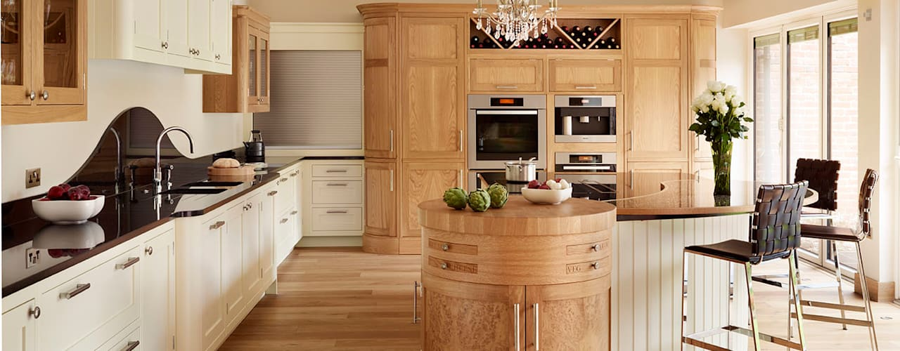 Canterbury | Solid Oak, Hand Painted Kitchen Davonport ห้องครัว White