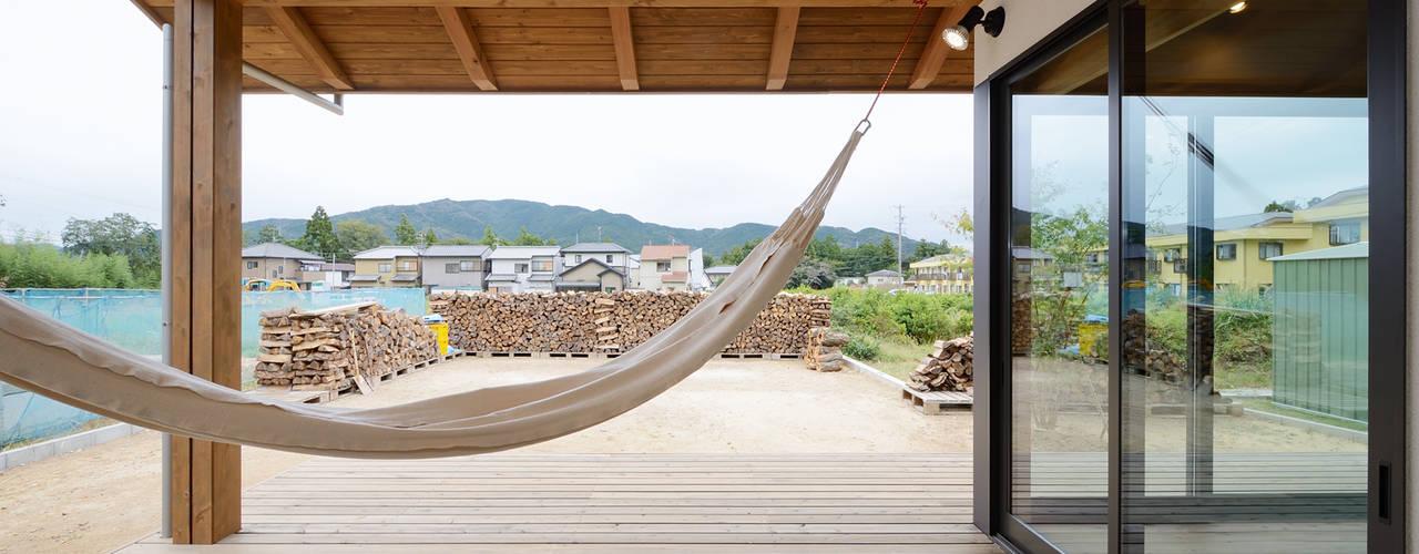 平井の家 北欧デザインの テラス の 株式会社kotori 北欧