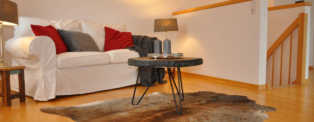 Ruang Keluarga Modern Oleh Optimmo Home Staging Modern