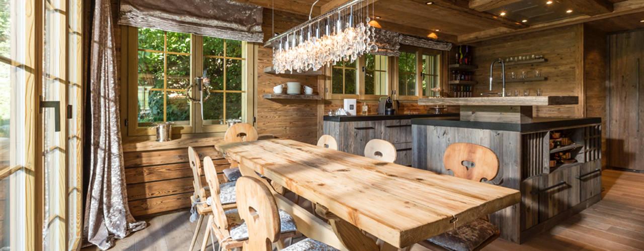 Chaletumbau in Gstaad:  Küche von RH-Design Innenausbau, Möbel und Küchenbau Aarau,Rustikal