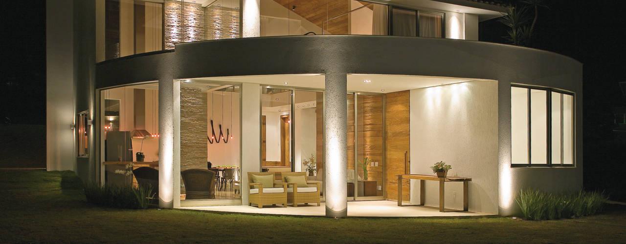 Moderne huizen van Isabela Canaan Arquitetos e Associados Modern