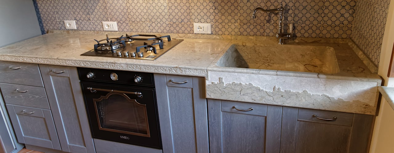 CusenzaMarmi Rustic style kitchen Marble Grey