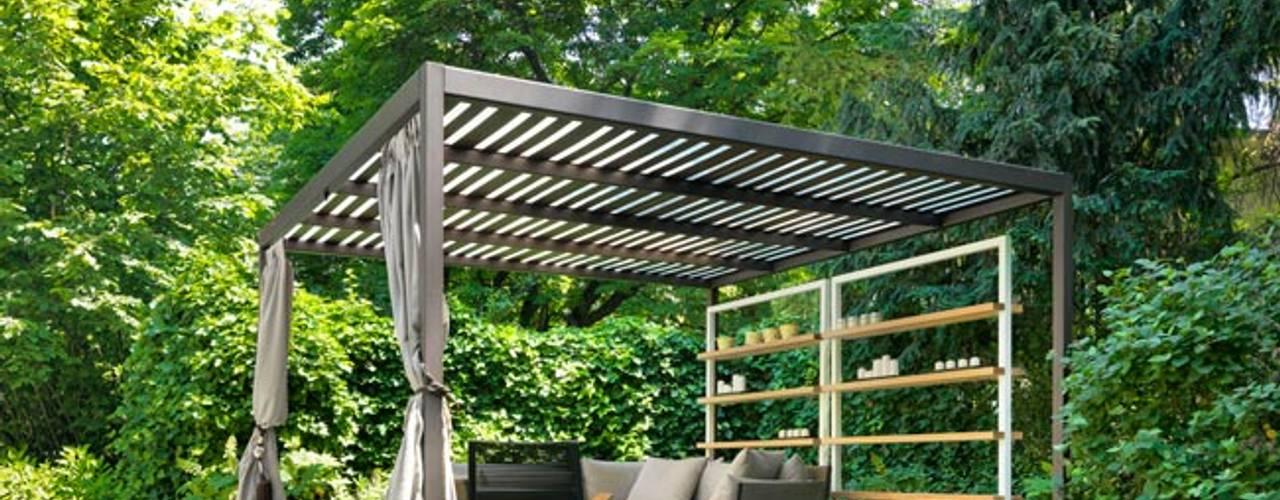 Minimalistyczny balkon, taras i weranda od Cagis Minimalistyczny Żelazo/Stal