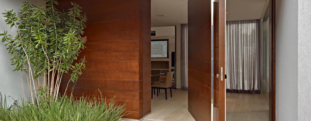 โดย Márcia Carvalhaes Arquitetura LTDA. โมเดิร์น