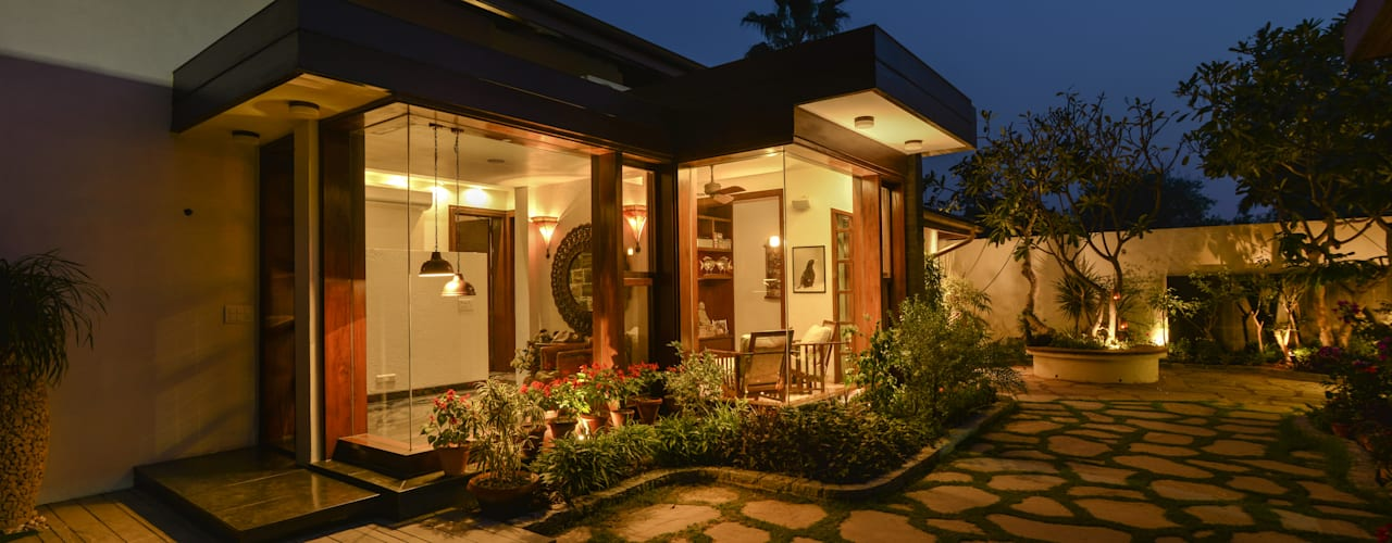 Juanapur Farmhouse monica khanna designs Balconies, verandas & terraces Lighting
