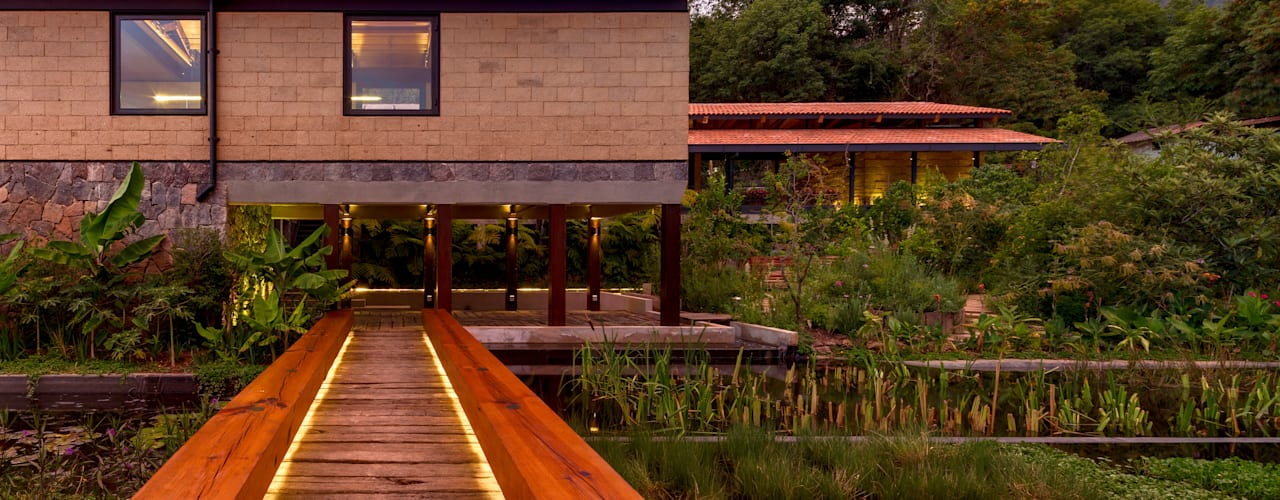Jardines de estilo moderno de TAAR / TALLER DE ARQUITECTURA DE ALTO RENDIMIENTO Moderno