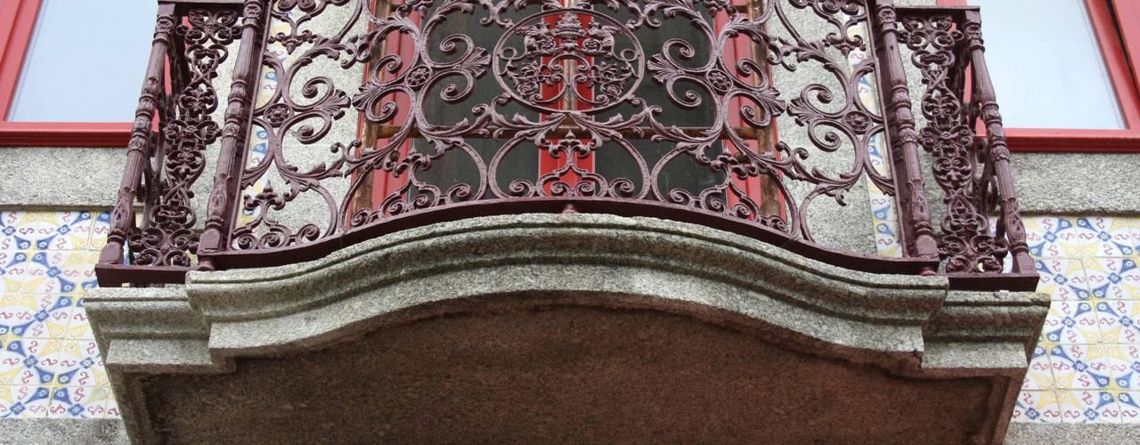 Obra Modern balcony, veranda & terrace by minimalinea Modern