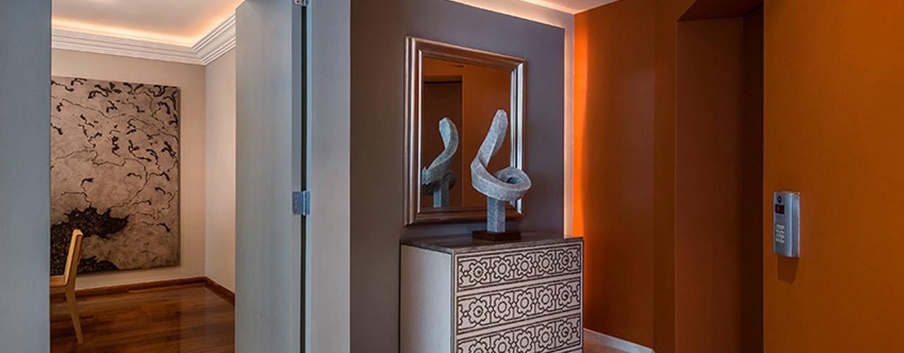 الممر الحديث، المدخل و الدرج من Olivia Aldrete Haas حداثي
