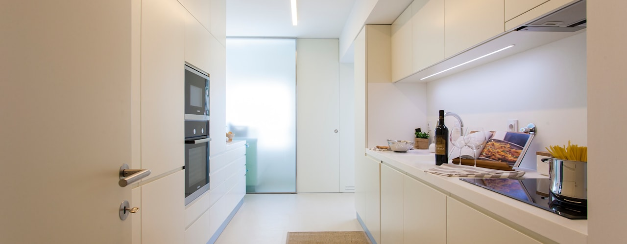 Moderne keukens van Traço Magenta - Design de Interiores Modern