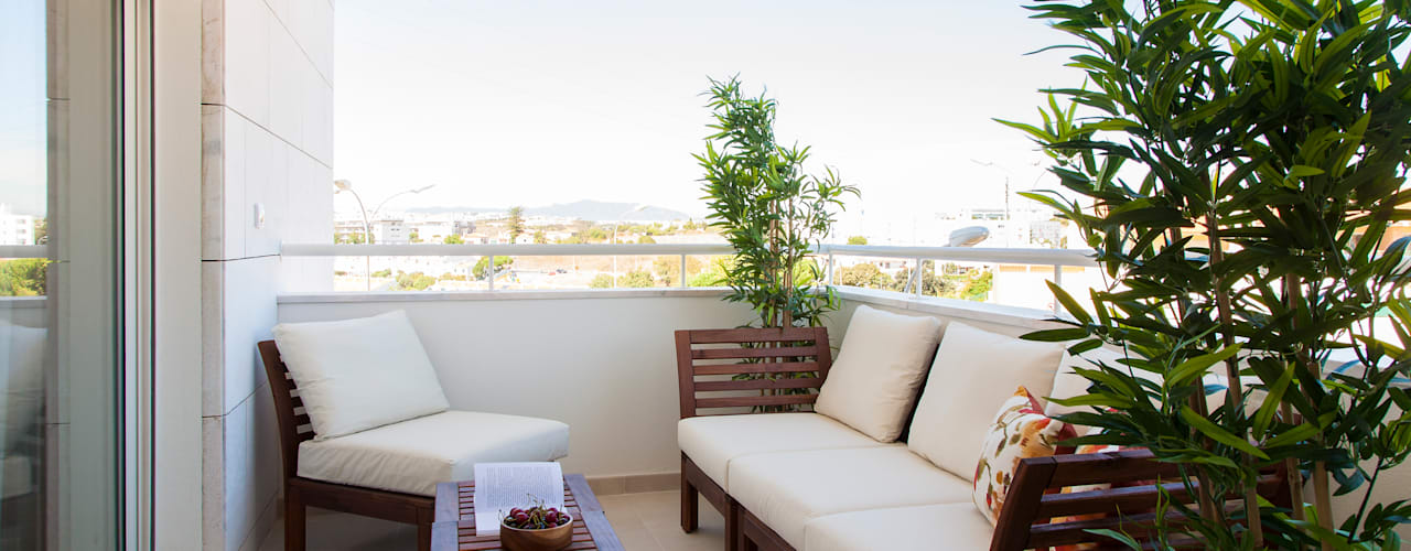 Modern Balkon, Veranda & Teras Traço Magenta - Design de Interiores Modern