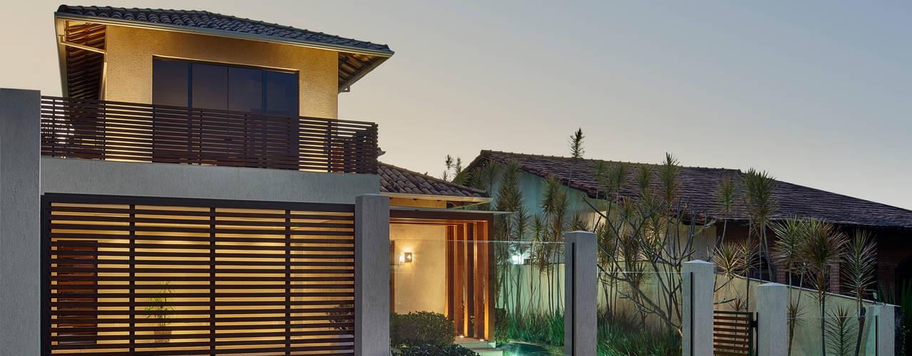 Casas  por Isabela Canaan Arquitetos e Associados,