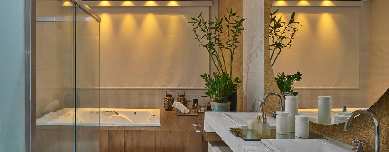 Baños de estilo  por Isabela Canaan Arquitetos e Associados,