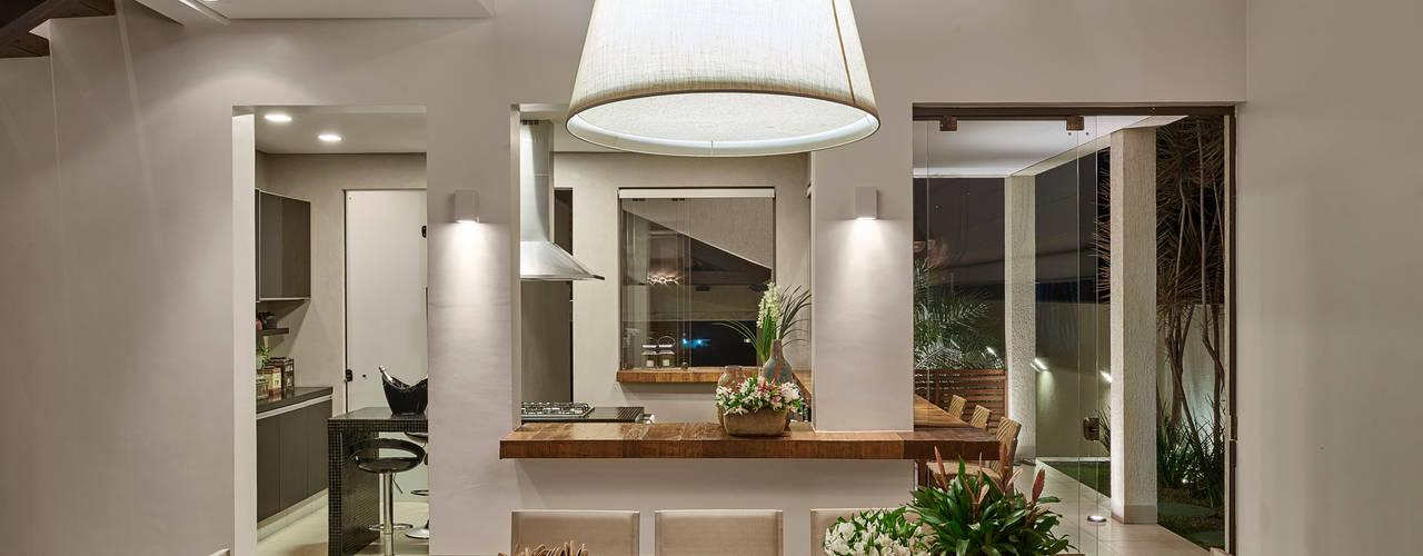 Comedores de estilo  por Isabela Canaan Arquitetos e Associados