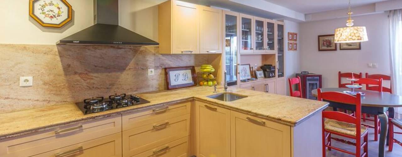 Cocinas de estilo rústico de Conarte cocinas Rústico