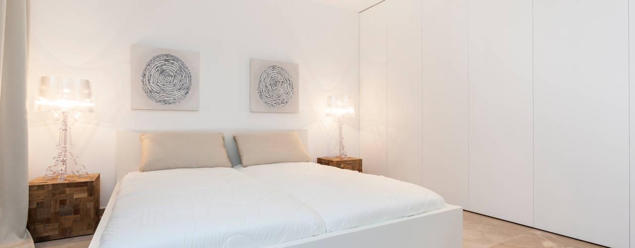 Minimalistische slaapkamers van Construccions i Reformes Miquel Munar SL Minimalistisch