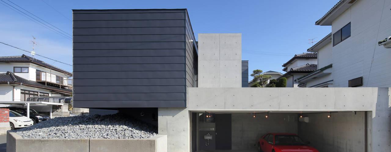 Moderne huizen van 有限会社Kaデザイン Modern