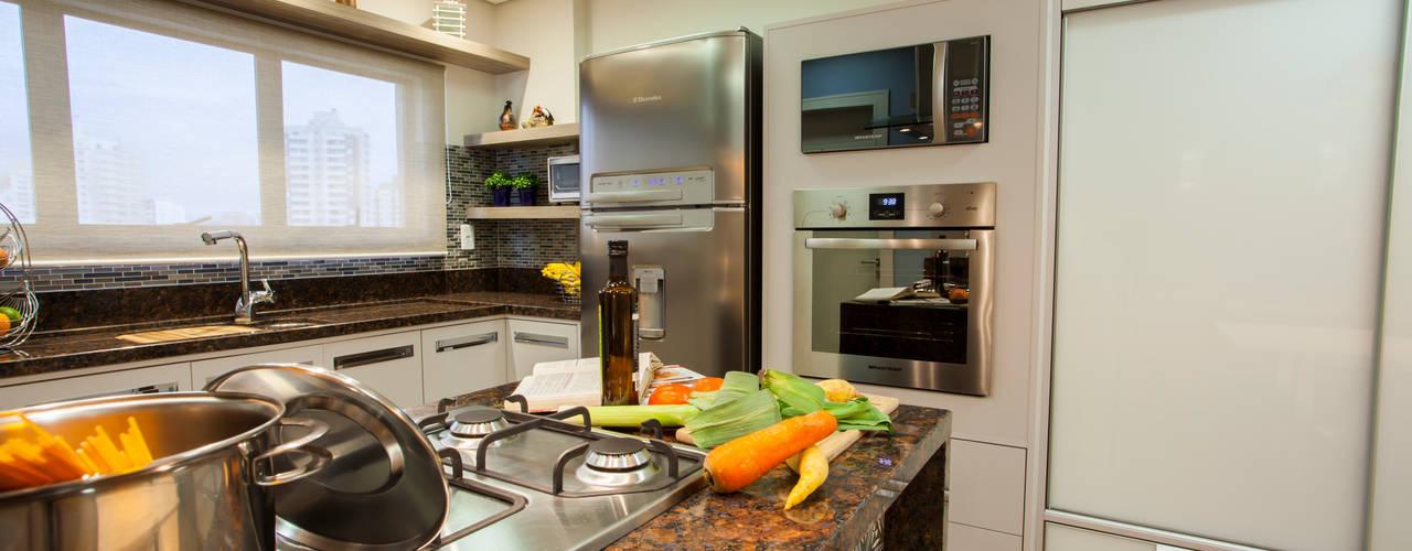 Nhà bếp phong cách hiện đại bởi Estúdio HL - Arquitetura e Interiores Hiện đại
