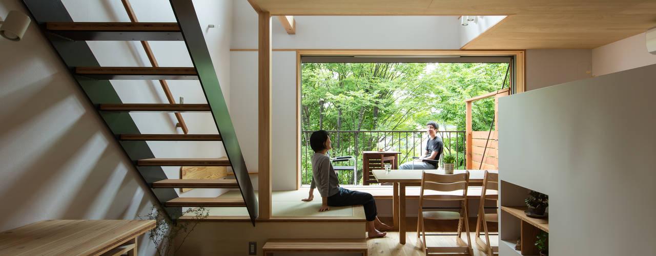スバコ: 藤森大作建築設計事務所が手掛けたリビングです。,