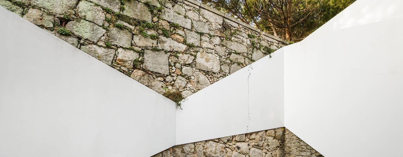 Casa DO Casas modernas por XYZ Arquitectos Associados Moderno