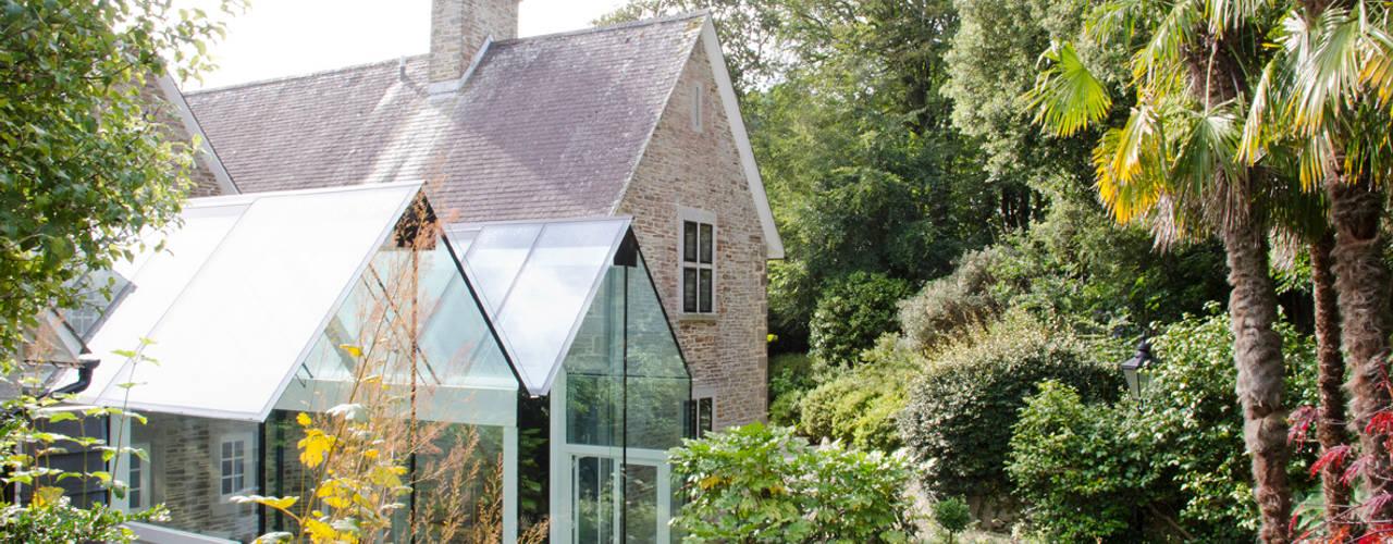 Structural Glass Conservatory, Cornwall Moderne serres van The Bazeley Partnership Modern