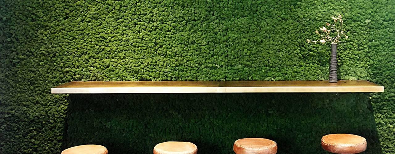 Agnes Café - Berlin Kreuzberg conscious design - interiors Bar & Club in stile industrial Metallo Verde