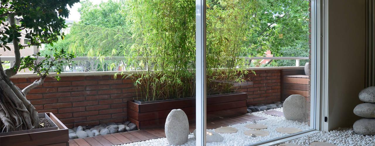 Balconies, verandas & terraces Balcones y terrazas asiáticos de Daifuku Designs Asiático
