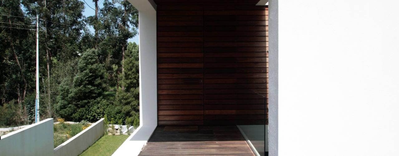 STL_01: Casas modernas por TRAMA arquitetos
