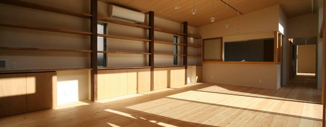 回遊: 遠藤知世吉・建築設計工房が手掛けたダイニングです。