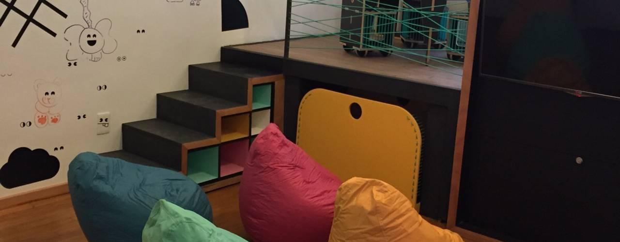 Remodelación salón de niños Restaurante Cerroviento Espacios comerciales de estilo minimalista de AMÉTRICO ESTUDIO Minimalista