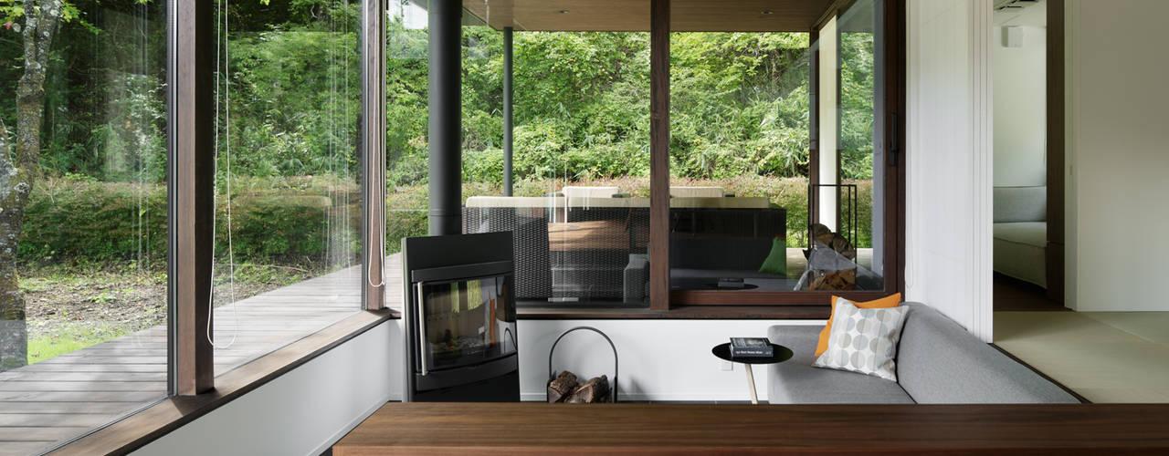 037軽井沢 I さんの家 モダンデザインの リビング の atelier137 ARCHITECTURAL DESIGN OFFICE モダン