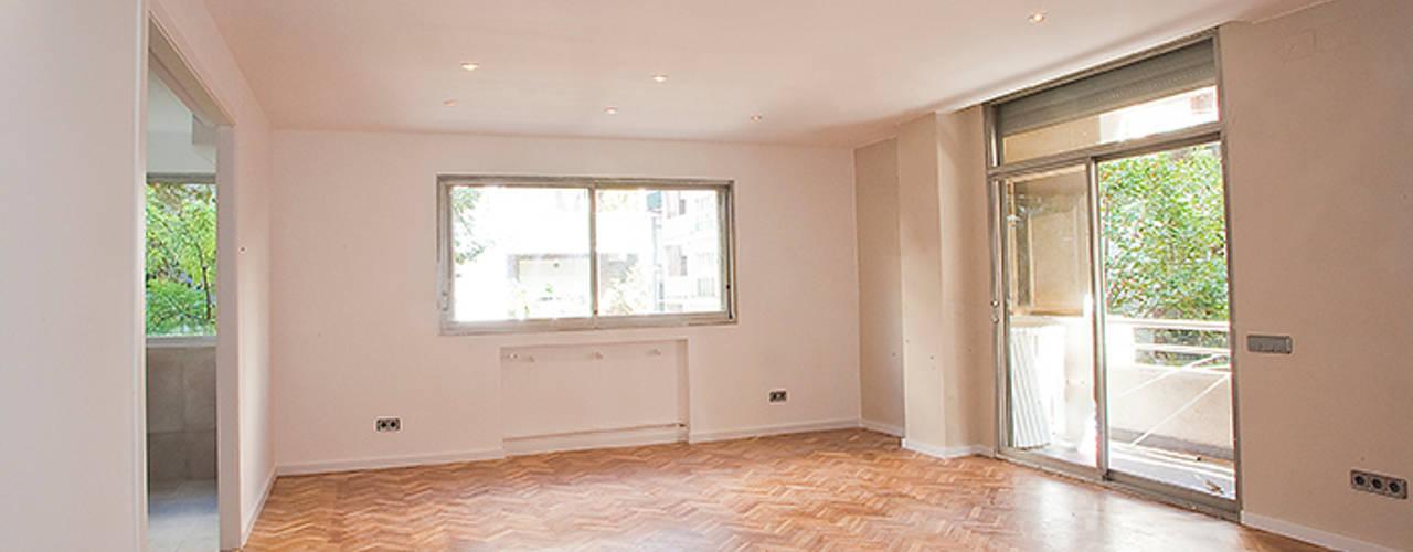 Grupo Inventia 现代客厅設計點子、靈感 & 圖片 木頭 White