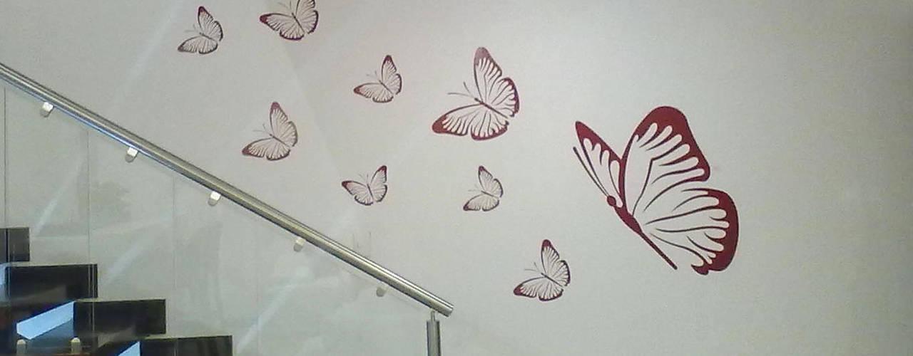 Walls by ERÁLDICA, Modern