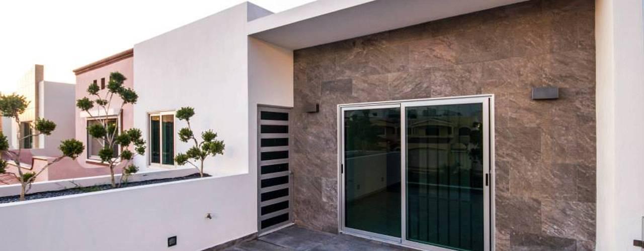 بلكونة أو شرفة تنفيذ Cenit Arquitectos,