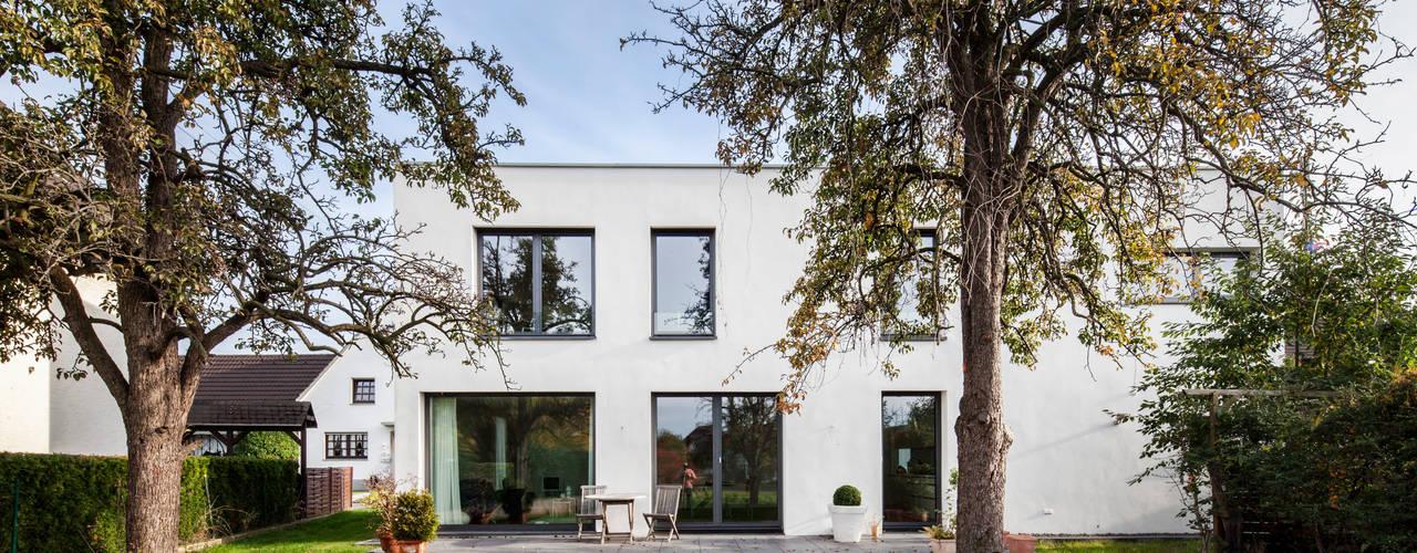 Projekty,  Domy zaprojektowane przez Corneille Uedingslohmann Architekten, Nowoczesny