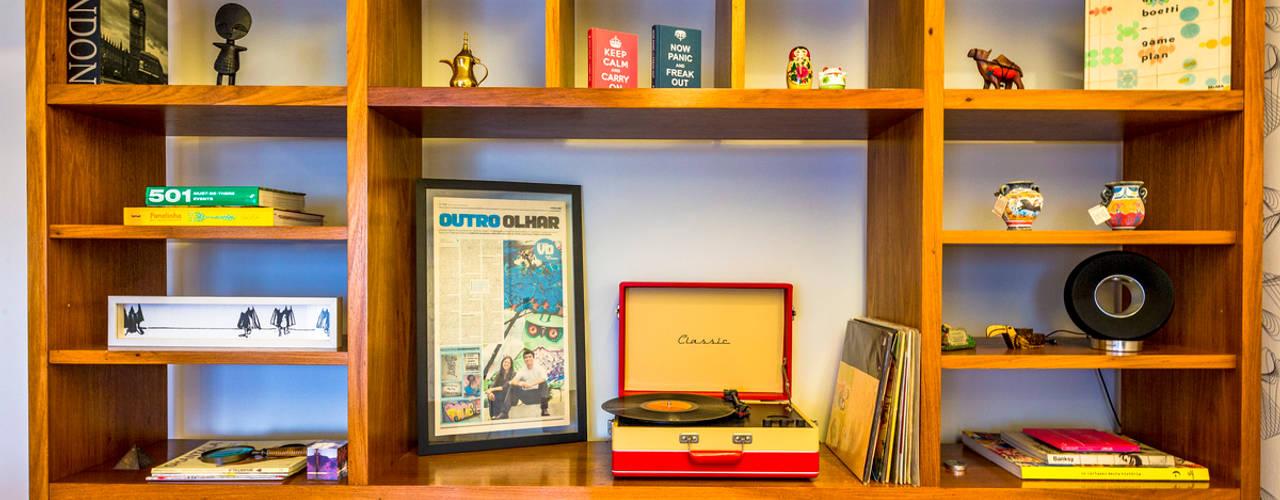 Apartamento para jovem casal. Enzo Sobocinski Arquitetura & Interiores Salas de jantar modernas Madeira Azul