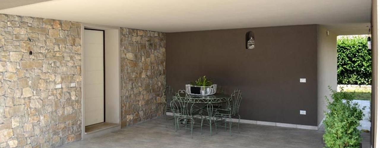 nova House: Terrazza in stile  di NCe Architetto