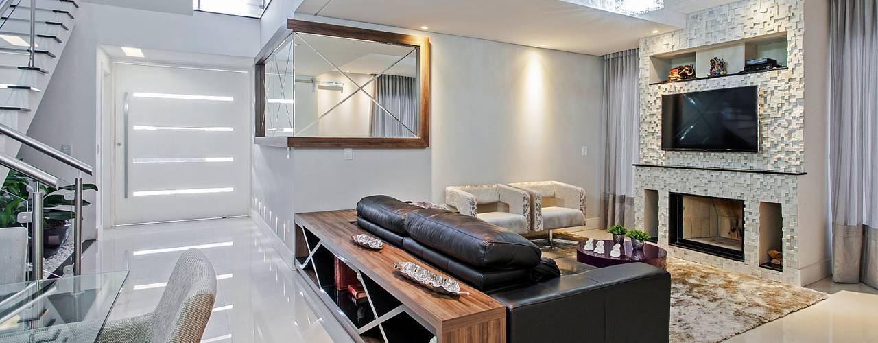 Casa 55 Salas multimídia modernas por Patrícia Azoni Arquitetura + Arte & Design Moderno