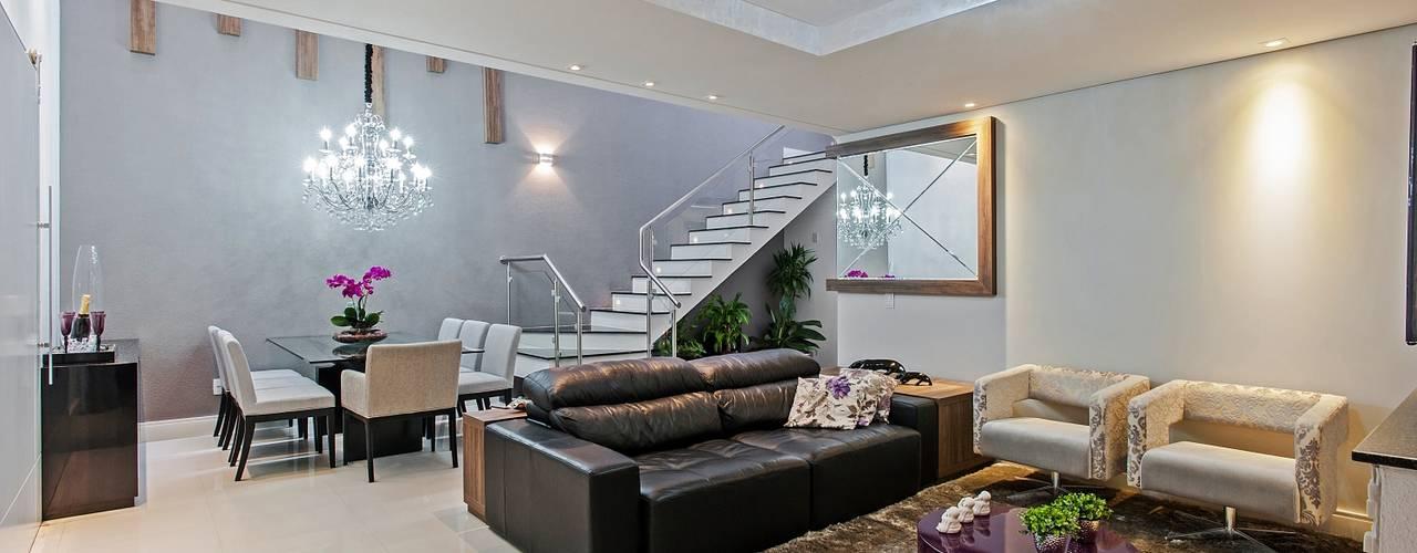 غرفة المعيشة تنفيذ Patrícia Azoni Arquitetura + Arte & Design
