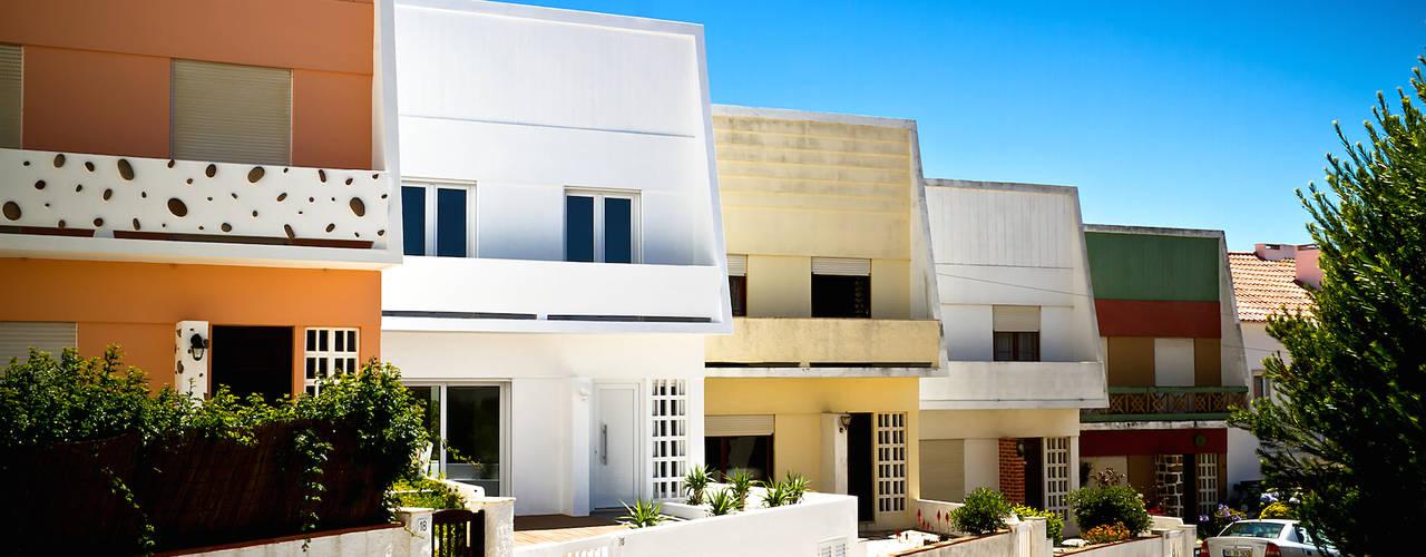 Casas modernas por involve arquitectos Moderno