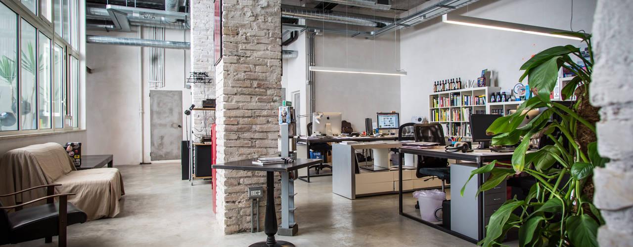 Industriële studeerkamer van Stefano Panero Oddi Nyeusi Design Industrieel