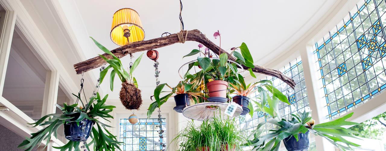 Espaços de restauração  por studio Noun