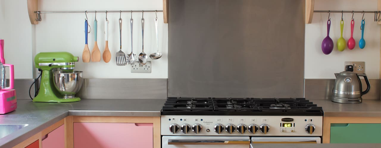 Colour by Numbers : eclectic Kitchen by It Woodwork