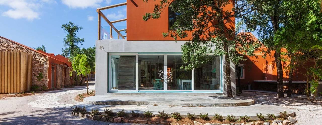 Luz Charming Houses _ Boutique Hotel por SegmentoPonto4 Campestre