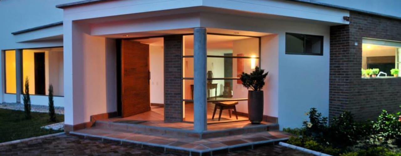 Casas clásicas de WVARQUITECTOS Clásico