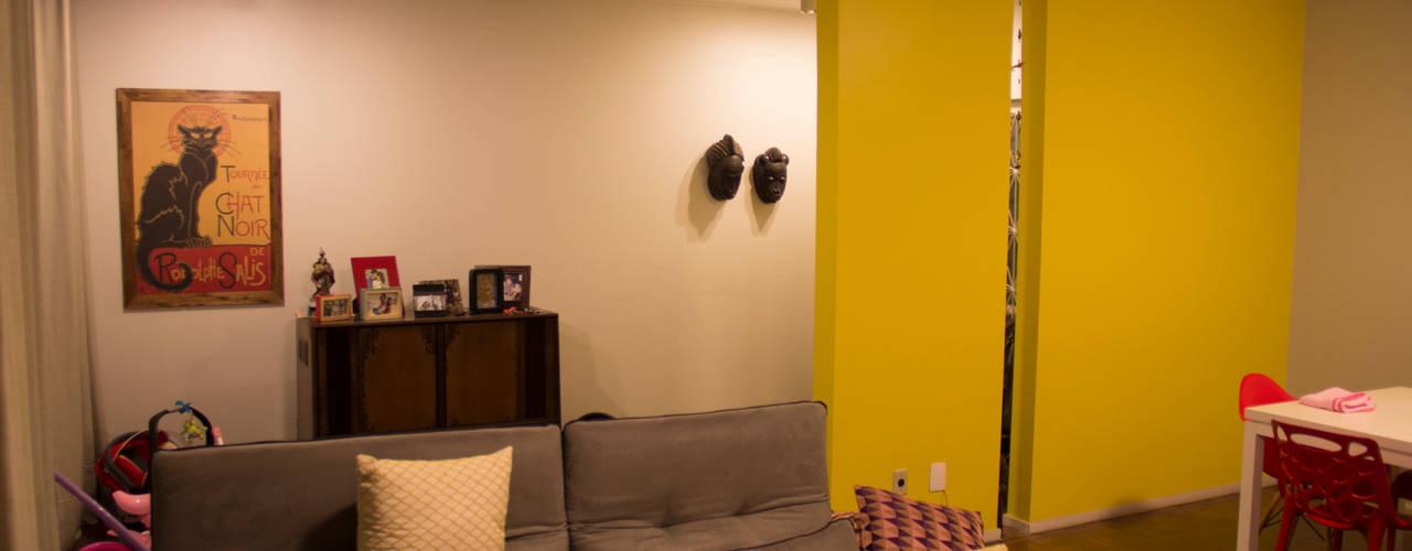 Salas / recibidores de estilo  por ARM ARQUITETURA E URBANISMO