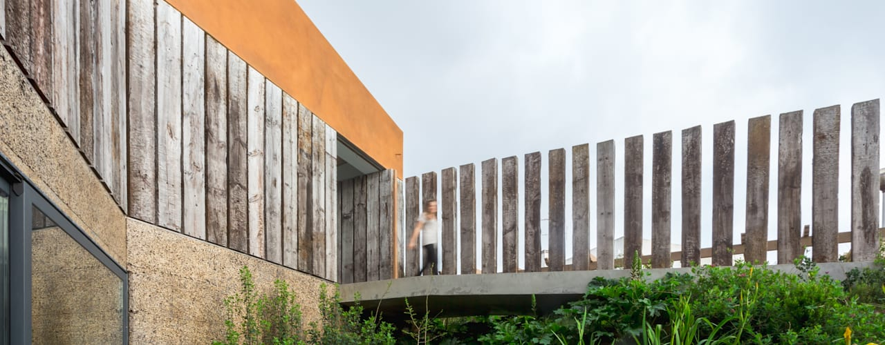 Casa Varatojo : Jardins  por Atelier Data Lda,Moderno