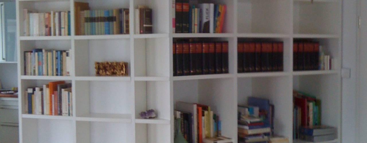 Bücherregale lackiert:   von ARTfischer Die Möbelmanufaktur.,
